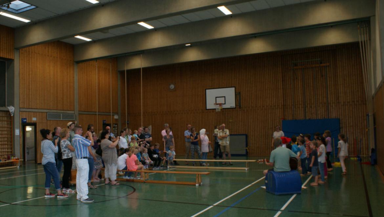 Turnhallenübernachtung-Klasse-1b_1.png